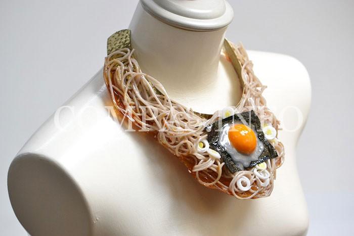 "Ожерелье ""спагетти с яичницей"""