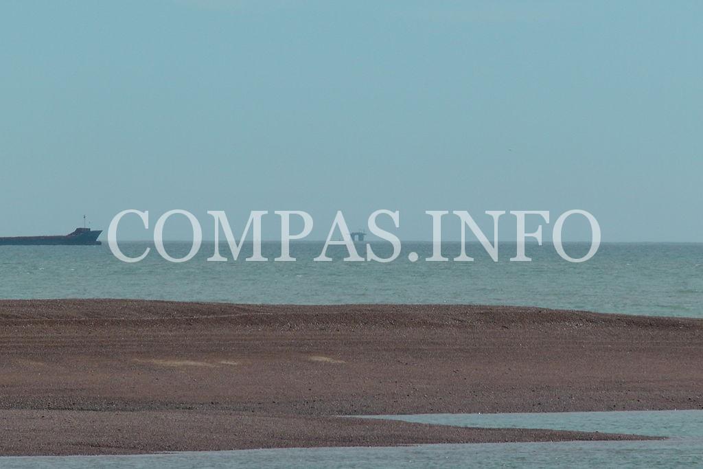 1024px-Sealand_from_Felixstowe_Ferry
