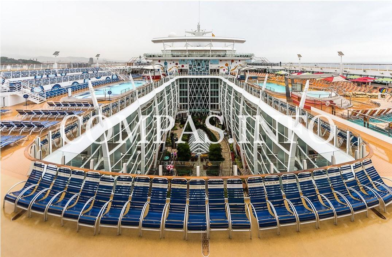 круизный лайнер Allure of the Seas 17