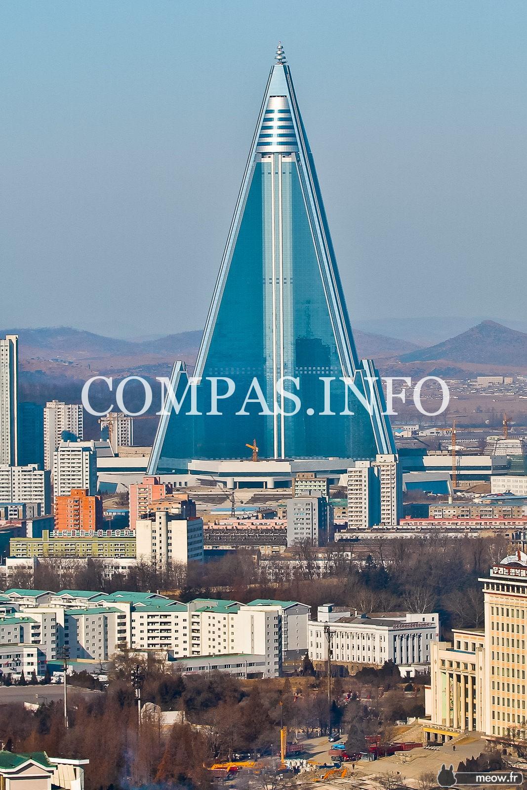 Ryugyong-Hotel-in-Pyongyang-North-Korea-2