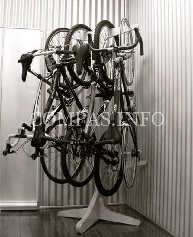 Идеи хранения велосипеда в квартире10